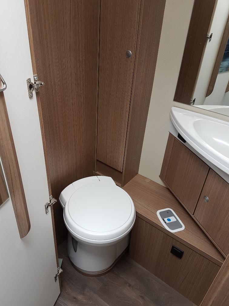T339 carado toilet camper