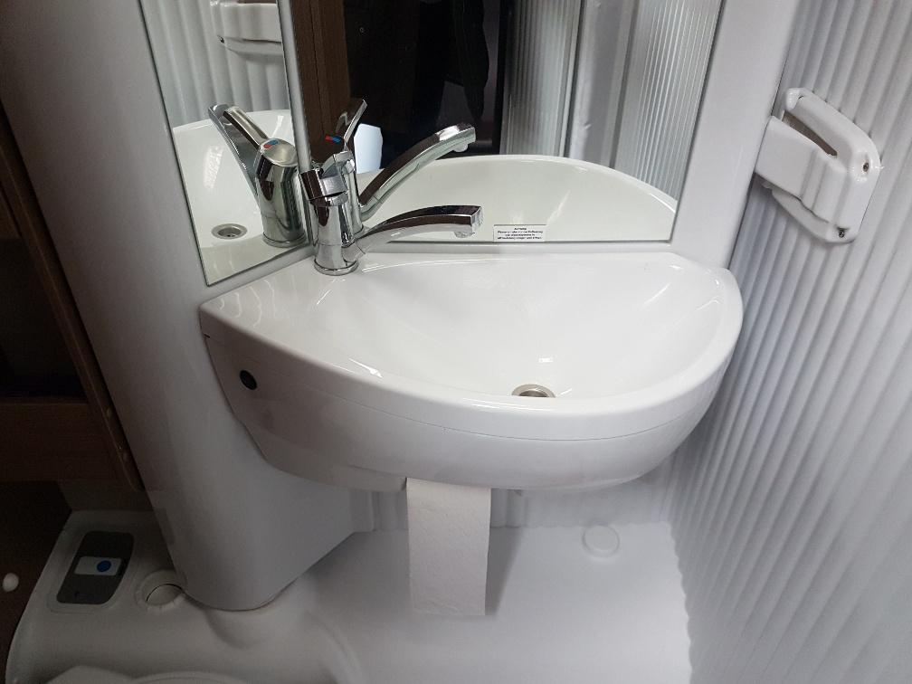 T448 carado wasbak toilet