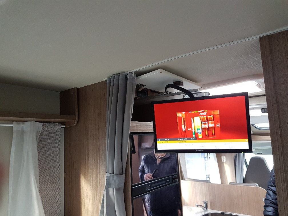 T448 Carado televisie voorkant