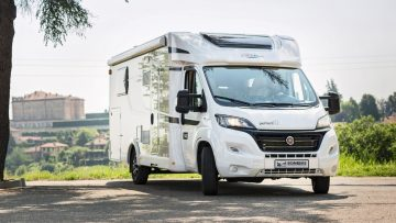 Goedkoop camper huren luxe vakanties Nederland Carado T448